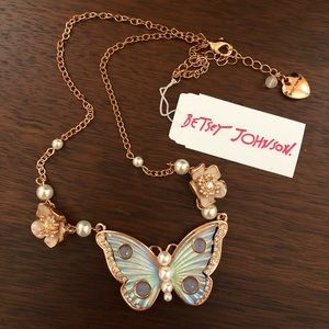 ❗️Last Chance❗️Betsey Johnson Butterfly Necklace